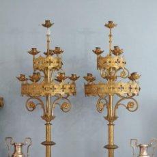 Antigüedades: GRANDES CANDELABROS DE IGLESIA EN ESTILO NEOGÓTICO, ELABORADOS EN BRONCE. MIDEN 111 CM. S. XIX.. Lote 269978208