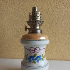 Antigüedades: LÁMPARA ANTIGUA PETRÓLEO PORCELANA. Lote 269991088