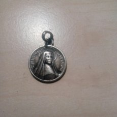 Antigüedades: MEDALLA CON RELIQUIA DE SANTA JOAQUINA DE VEDRUNA. Lote 270124028