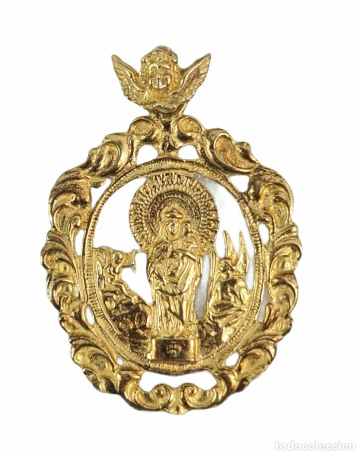 GRAN MEDALLA VIRGEN DEL PILAR EN PLATA DORADA. 16GR 6X4CM (Antigüedades - Religiosas - Medallas Antiguas)