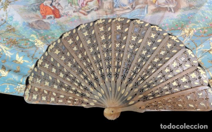 Antigüedades: Abanico asta, piqué oro y litografías coloreadas. Hand fan. Horn, gold inlay, lithos. ca 1850 27cm - Foto 2 - 270163538