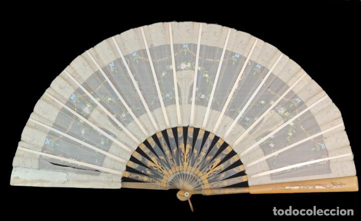 Antigüedades: Abanico asta, piqué, paístextil. Hand fan. Horn, gold inlay, tissu. ca 1850 24cm - Foto 5 - 270164983