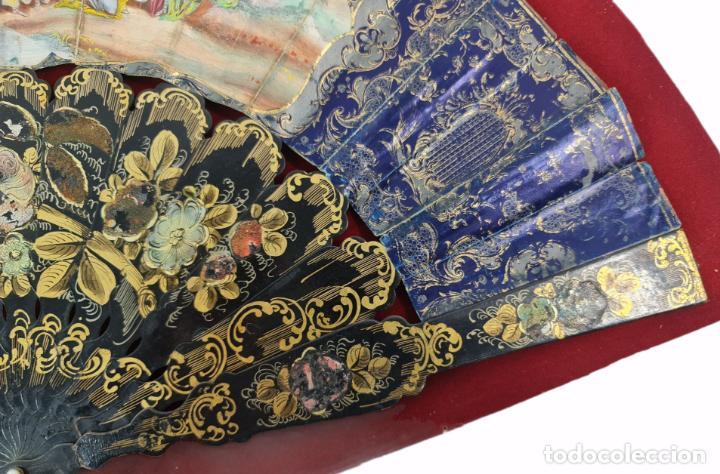 Antigüedades: Abanico en abaniquera. Madera policromada y papel litografías. - Foto 4 - 270166268