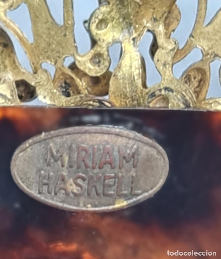 Antigüedades: Horquilla de peinado Míriam Haskell. Celuloide y filigrana metal. Mediados SXX 9x8cm - Foto 5 - 270168548