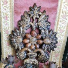 Antiquités: PRECIOSO APLIQUE. MADERA TALLADA Y METAL. SIGLO XIX. Lote 270244398