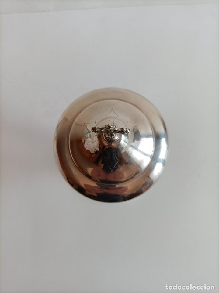 Antigüedades: Copon en metal plateado , primera mitad del Siglo XX , fechado en el 39 Alt. 25 cms. - Foto 3 - 270379873