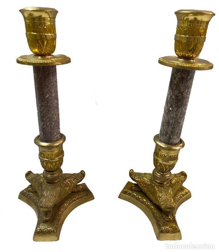 ANTIGUOS CANDELABROS IMPERIO. NAPOLEÓN III. BRONCE Y MÁRMOL. 27 CM ALTO. (Antigüedades - Iluminación - Candelabros Antiguos)