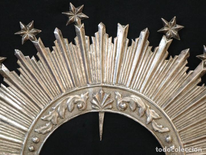 Antigüedades: Corona de tamaño natural, elaborada en metal plateado. Pps. S. XX. - Foto 3 - 270397318