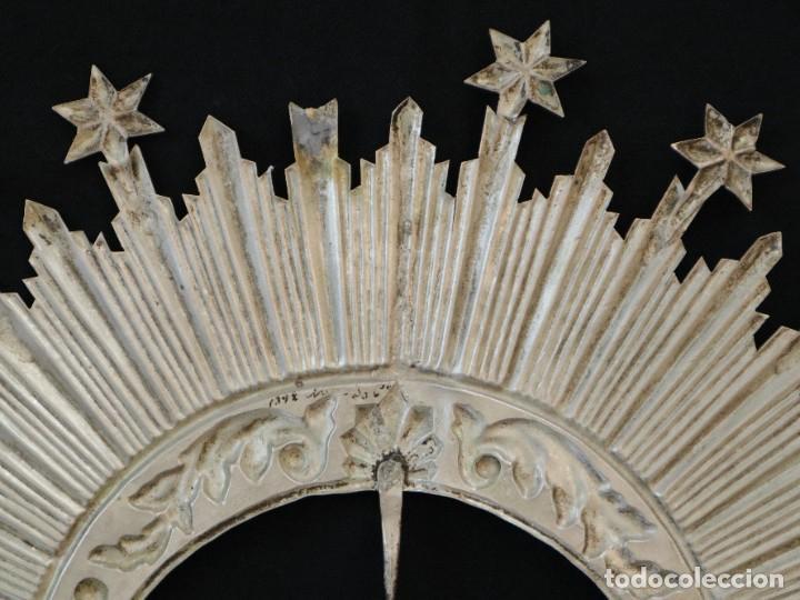 Antigüedades: Corona de tamaño natural, elaborada en metal plateado. Pps. S. XX. - Foto 7 - 270397318