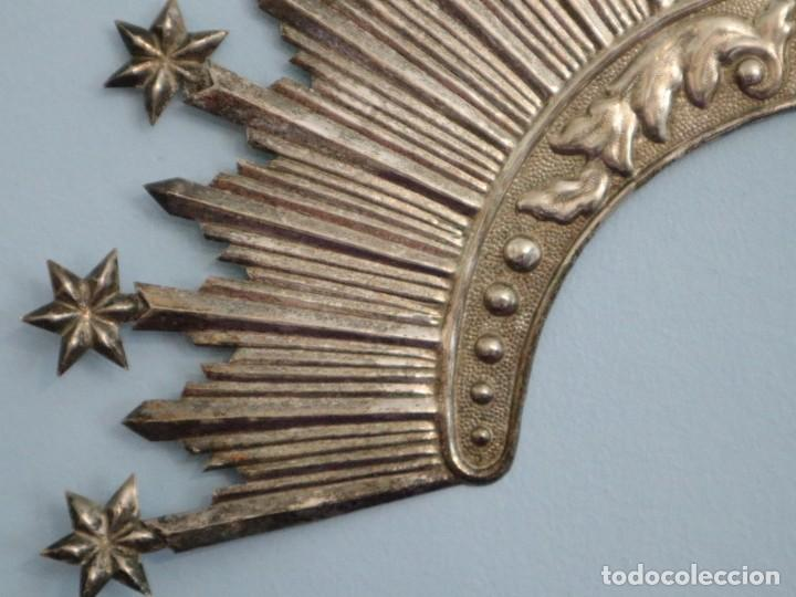 Antigüedades: Corona de tamaño natural, elaborada en metal plateado. Pps. S. XX. - Foto 10 - 270397318