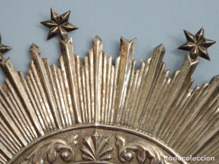 Antigüedades: Corona de tamaño natural, elaborada en metal plateado. Pps. S. XX. - Foto 12 - 270397318