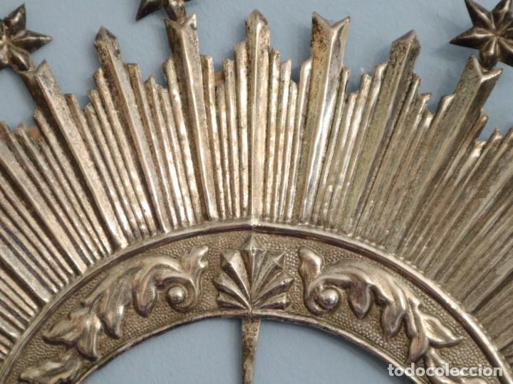 Antigüedades: Corona de tamaño natural, elaborada en metal plateado. Pps. S. XX. - Foto 13 - 270397318