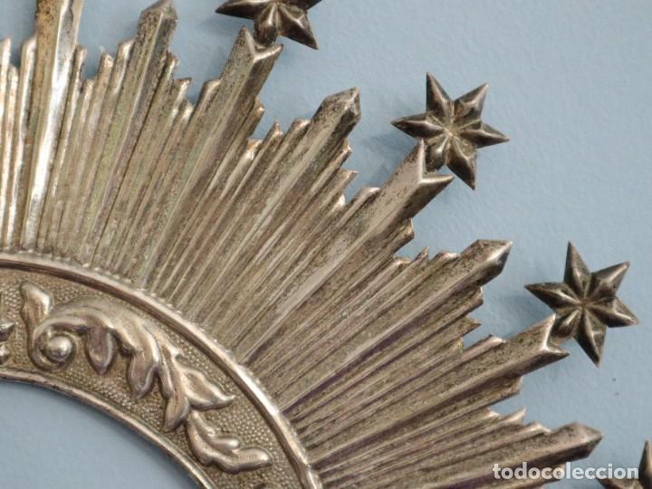 Antigüedades: Corona de tamaño natural, elaborada en metal plateado. Pps. S. XX. - Foto 14 - 270397318
