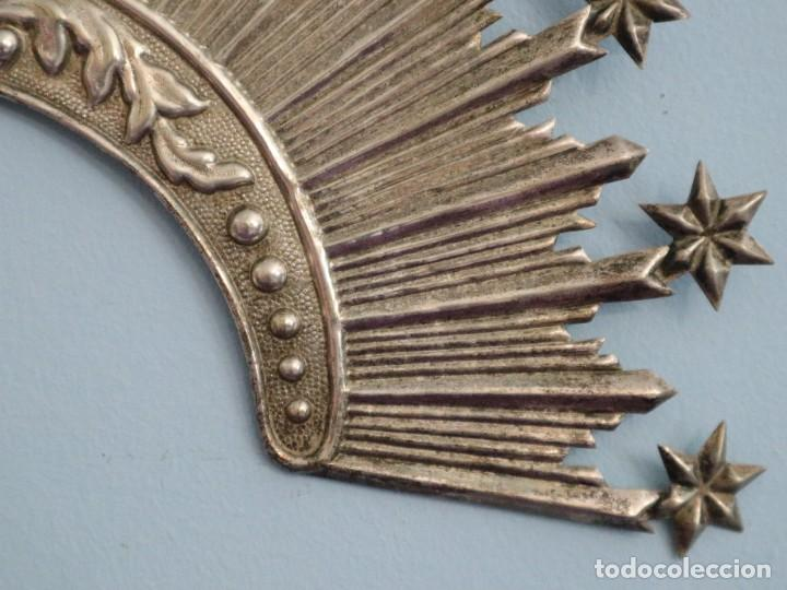 Antigüedades: Corona de tamaño natural, elaborada en metal plateado. Pps. S. XX. - Foto 15 - 270397318
