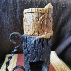 Antigüedades: ESPECTACULAR JARRA PORTAVELAS. HIERRO DERRETIDO. AÑOS 50. Lote 270558233