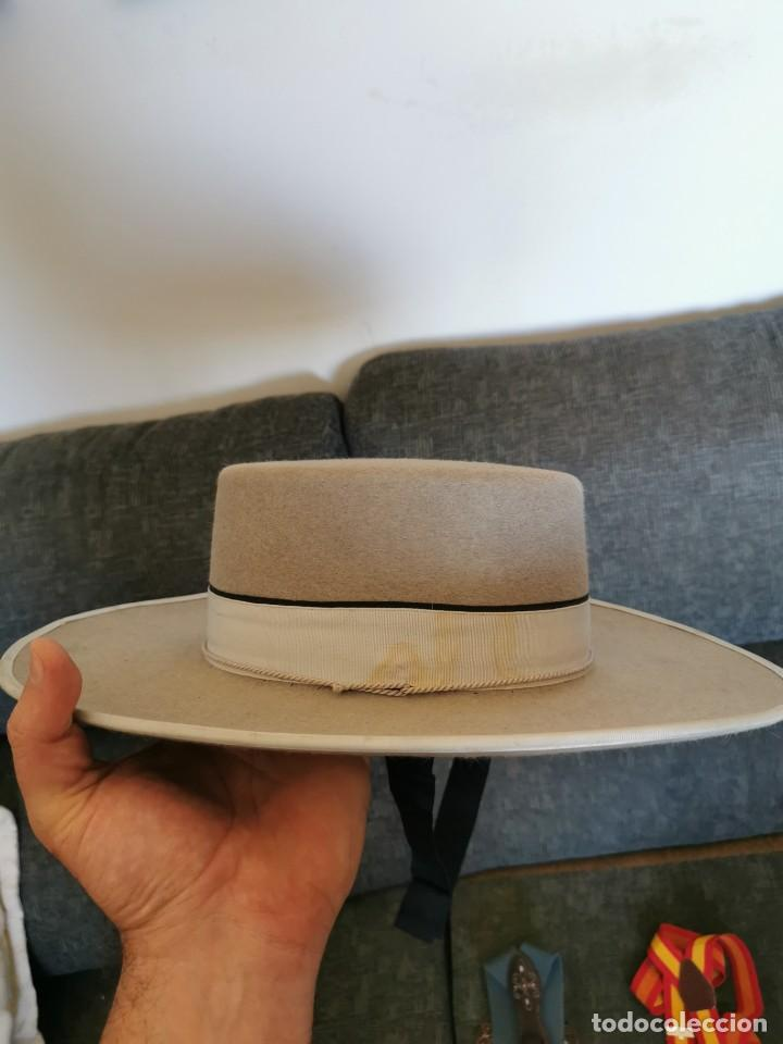 Antigüedades: Sombrero de ala ancha El Bombo de osuna y 2 tirantes de botones Manuel Acosta de Morón. - Foto 7 - 270567068
