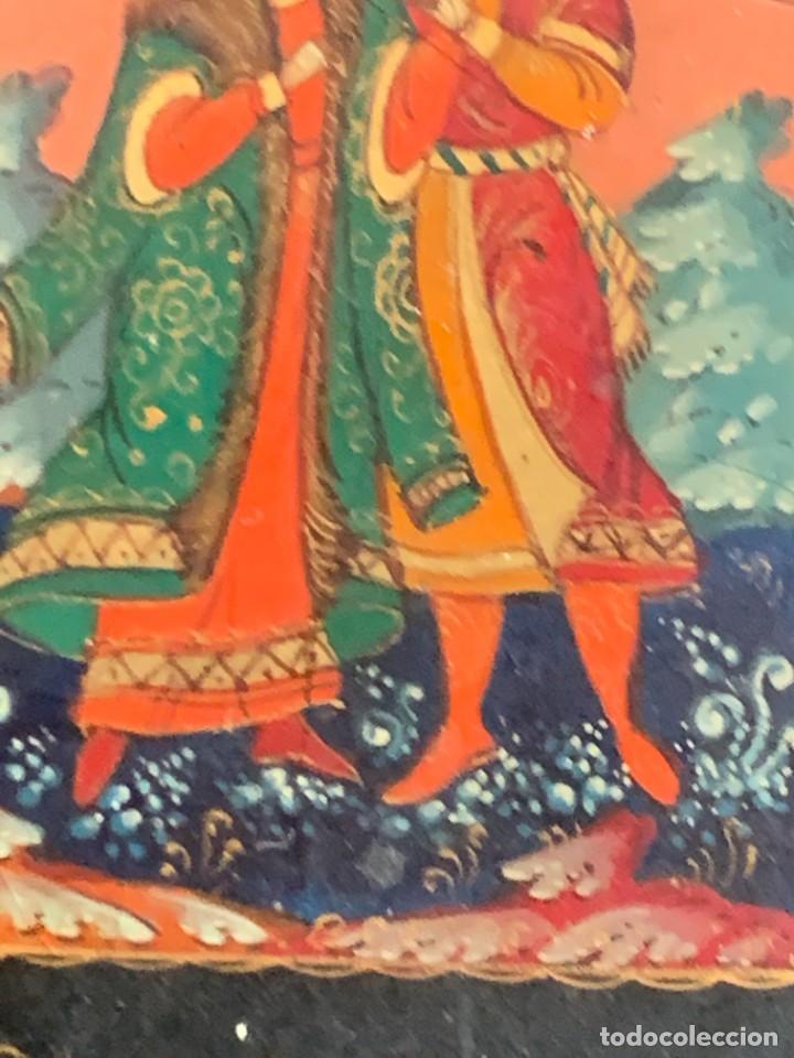 Antigüedades: CAJA LACADA RUSA MADERA PAPIER MACHE PINTADA A MANO FIRMADA DORADOS PAREJA ANTE CASTILLO 7X5X3CMS - Foto 13 - 270627153