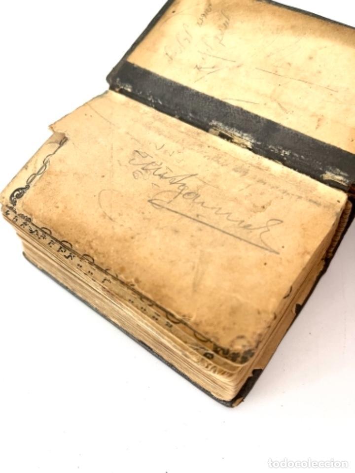 Antigüedades: ÚTILES CENTRO EUROPEOS JUDIOS - TORÁ ESCRITA A MANO EN MINIATURA - AÑOS 1900 - Foto 8 - 270684748