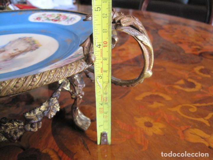 Antigüedades: PRECIOSO Y DELICADO CENTRO, PORCELANA FINA DE SEVRES Y BRONCE SELLADA CON EL LOGO DE SEVRES - Foto 10 - 270863823