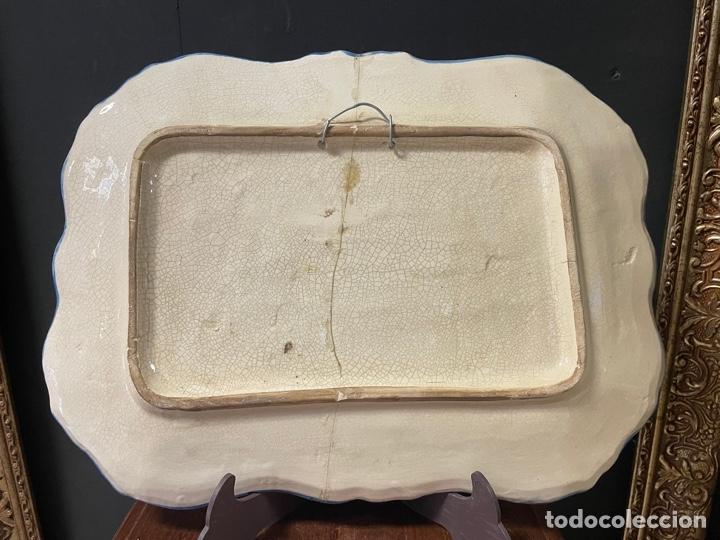 Antigüedades: BANDEJA DE CERÁMICA MURCIANA LARIO PINTADA A MANO - Foto 4 - 270877028
