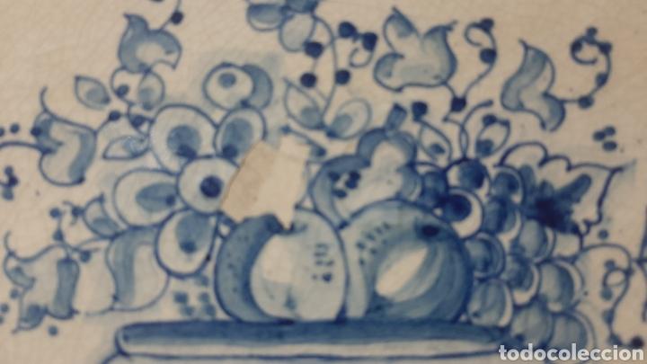 Antigüedades: BANDEJA DE CERÁMICA MURCIANA LARIO PINTADA A MANO - Foto 2 - 270877343