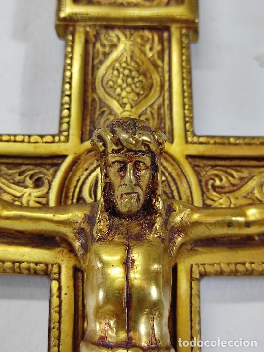 Antigüedades: Crucifijo, Cristo a la Cruz - Majestad - Bronce Cincelado - Principios S. XX - Foto 6 - 270911268