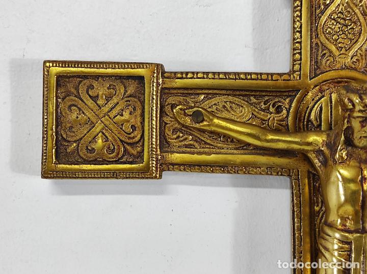 Antigüedades: Crucifijo, Cristo a la Cruz - Majestad - Bronce Cincelado - Principios S. XX - Foto 7 - 270911268
