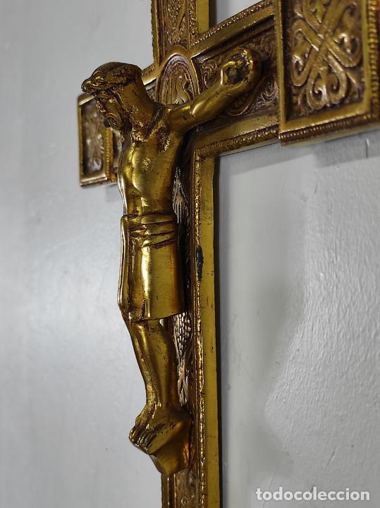 Antigüedades: Crucifijo, Cristo a la Cruz - Majestad - Bronce Cincelado - Principios S. XX - Foto 16 - 270911268