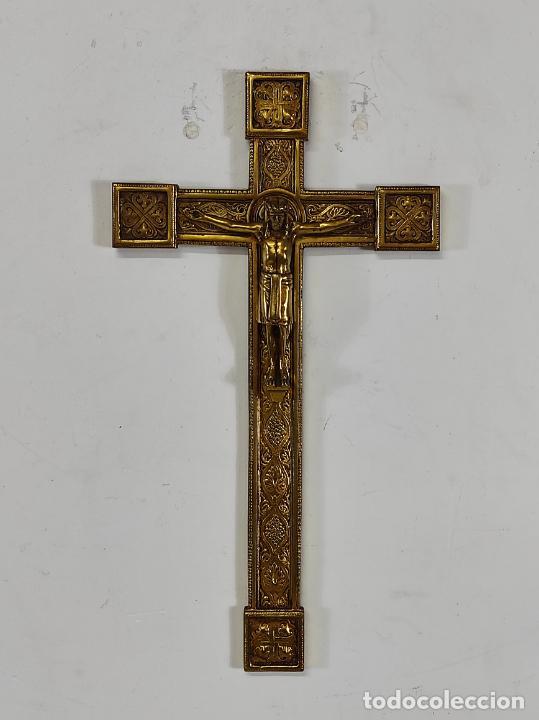 Antigüedades: Crucifijo, Cristo a la Cruz - Majestad - Bronce Cincelado - Principios S. XX - Foto 17 - 270911268