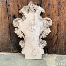 Antigüedades: PORTICO O DOSEL EN ESTUCO PARA TRONO DE SAGRADO CORAZON O DORSO IMAGEN RELIGIOSA. OLOT. Lote 271010578