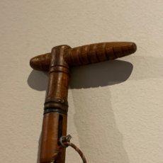 Oggetti Antichi: ANTIGUO BASTÓN CON ARMA RARÍSIMO . VER FOTOS . PIEZA COLECCIONABLE. Lote 271119383