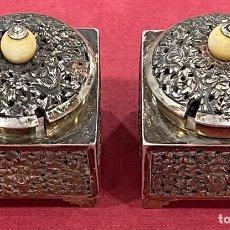 Antigüedades: ANTIGUA PAREJA DE ESPECIEROS ORIENTALISTAS, POSIBLEMENTE CHINOS, EN PLATA DE LEY.. Lote 271394598