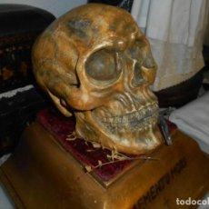 Antigüedades: CALAVERA SOBRE PEANA MOMENTO MORI. Lote 271426083