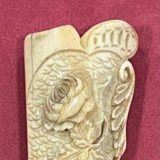 Antigüedades: ANTIGUO MANGO PARA BASTÓN, EN HUESO TALLADO.. Lote 271580218