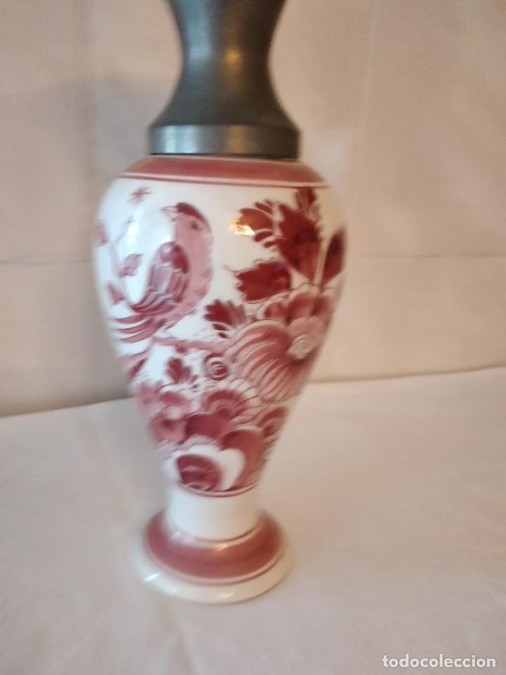 Antigüedades: Precioso jarrón de porcelana delft holland handpainted, variante rojo,boca de estaño - Foto 2 - 271663253
