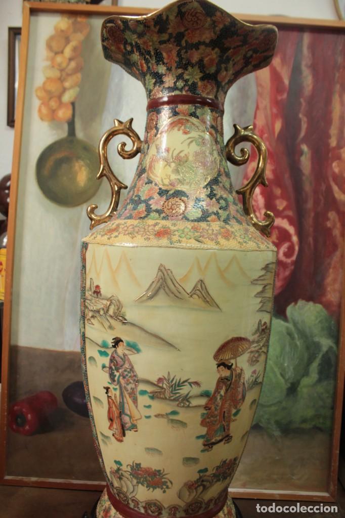 Antigüedades: Gran jarrón estilo Satsuma. Decorado a mano. Con certificado. 81cm(sin contar pie) China - Foto 2 - 271866438