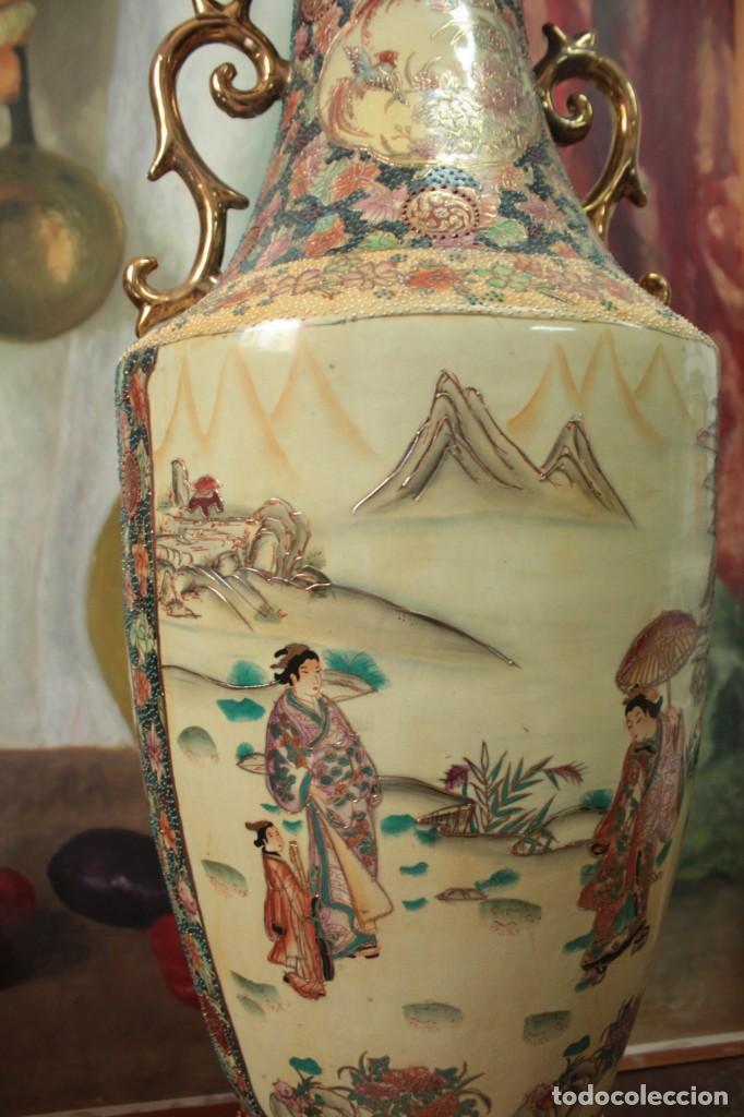 Antigüedades: Gran jarrón estilo Satsuma. Decorado a mano. Con certificado. 81cm(sin contar pie) China - Foto 3 - 271866438
