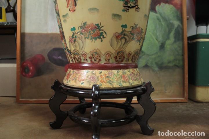 Antigüedades: Gran jarrón estilo Satsuma. Decorado a mano. Con certificado. 81cm(sin contar pie) China - Foto 9 - 271866438