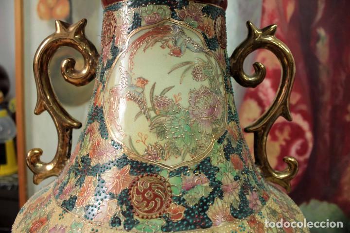 Antigüedades: Gran jarrón estilo Satsuma. Decorado a mano. Con certificado. 81cm(sin contar pie) China - Foto 12 - 271866438