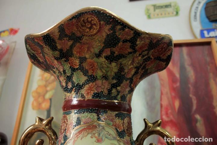 Antigüedades: Gran jarrón estilo Satsuma. Decorado a mano. Con certificado. 81cm(sin contar pie) China - Foto 13 - 271866438