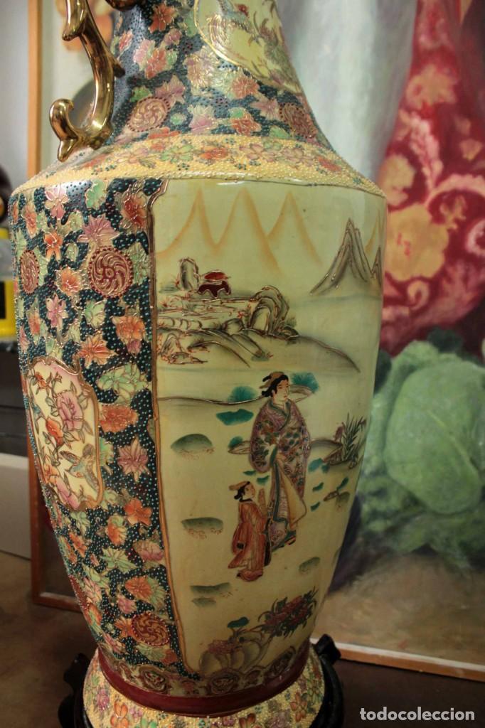 Antigüedades: Gran jarrón estilo Satsuma. Decorado a mano. Con certificado. 81cm(sin contar pie) China - Foto 15 - 271866438