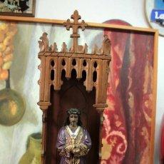 Antigüedades: IMAGEN DE CRISTO EN HORNACINA O CAPILLA. MEDIDA TOTAL 60CM. Lote 271870533