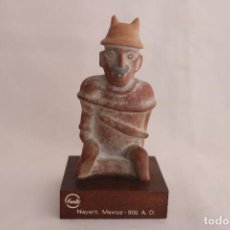 Antigüedades: FIGURA DE ANTIGUO DIOS AZTECA DE BARRO HECHA EN NAYARIT (MÉXICO). Lote 272288503