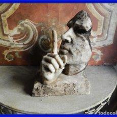 Antigüedades: BONITA Y DECORATIVA ESCULTURA ITALIANA DE HIERRO CALMA Y SILENCIO. Lote 272635908