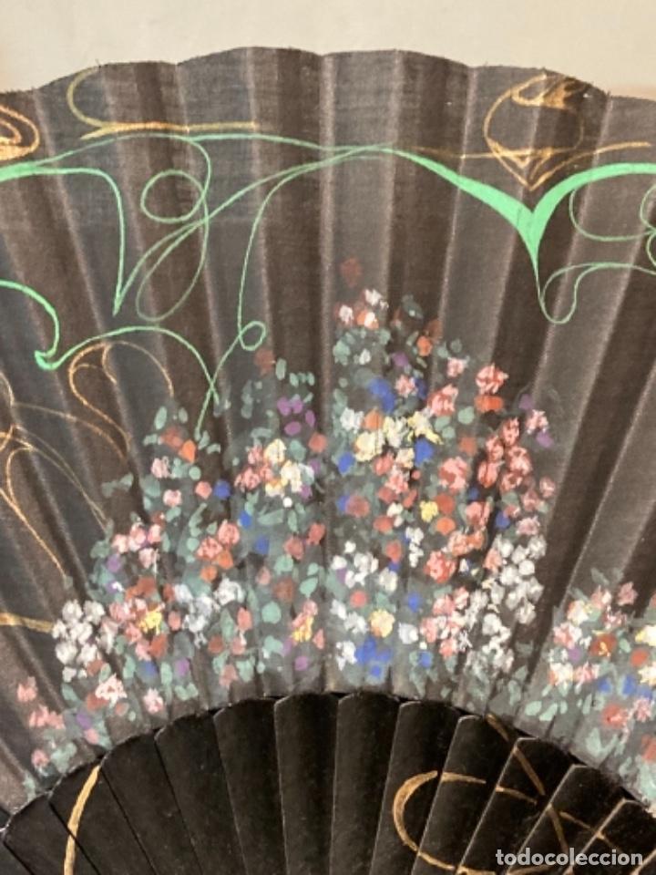 Antigüedades: Bonito abanico pintado a mano - Foto 2 - 272771103