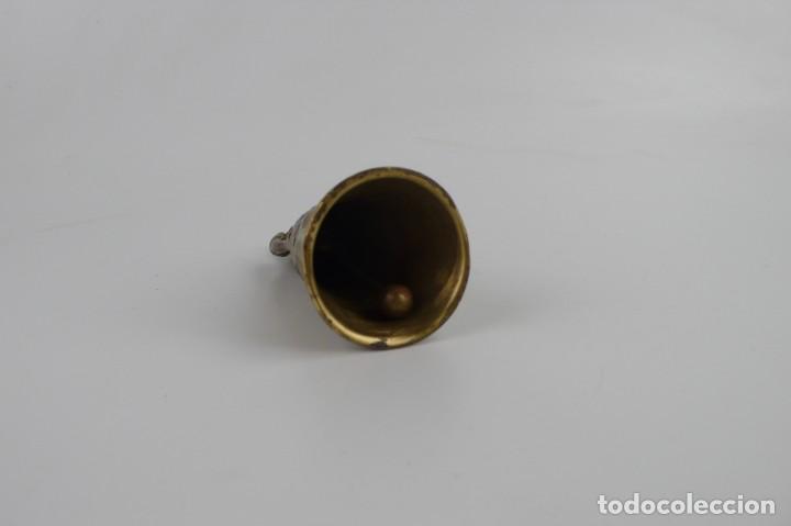 Antigüedades: Campana para llamar al servicio - Bronce - Mediados S.XX - Foto 4 - 272990923