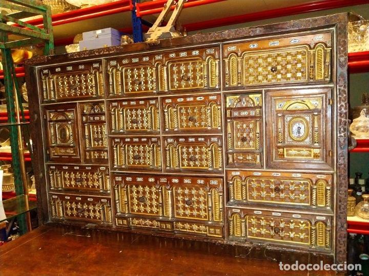 Antigüedades: EXCEPCIONAL BARGUEÑO CASTELLANO. ESTILO VARGAS. NOGAL. HERRAJES ORIGINALES. ESPAÑA. SIGLO XVII - Foto 3 - 273114633