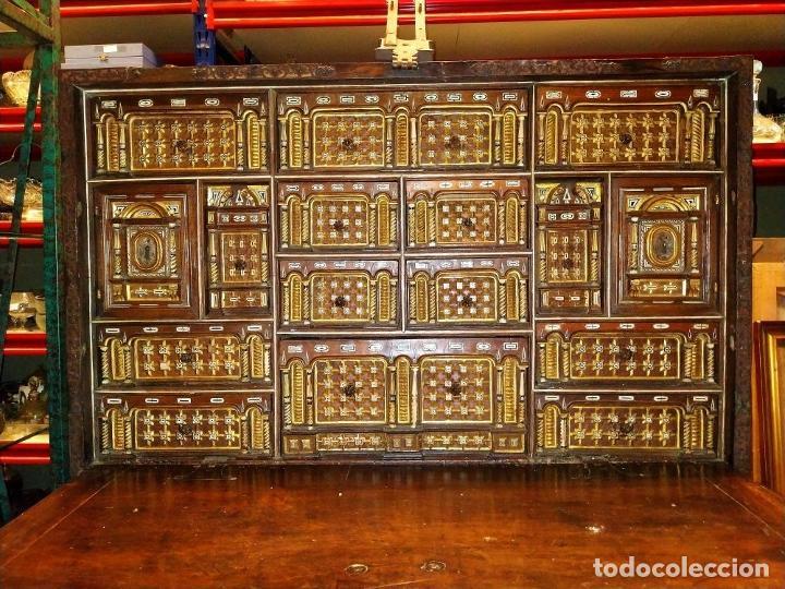 Antigüedades: EXCEPCIONAL BARGUEÑO CASTELLANO. ESTILO VARGAS. NOGAL. HERRAJES ORIGINALES. ESPAÑA. SIGLO XVII - Foto 4 - 273114633