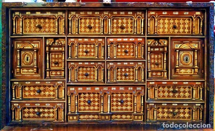 Antigüedades: EXCEPCIONAL BARGUEÑO CASTELLANO. ESTILO VARGAS. NOGAL. HERRAJES ORIGINALES. ESPAÑA. SIGLO XVII - Foto 5 - 273114633