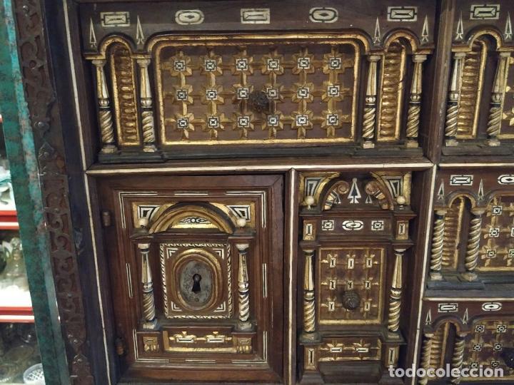 Antigüedades: EXCEPCIONAL BARGUEÑO CASTELLANO. ESTILO VARGAS. NOGAL. HERRAJES ORIGINALES. ESPAÑA. SIGLO XVII - Foto 6 - 273114633